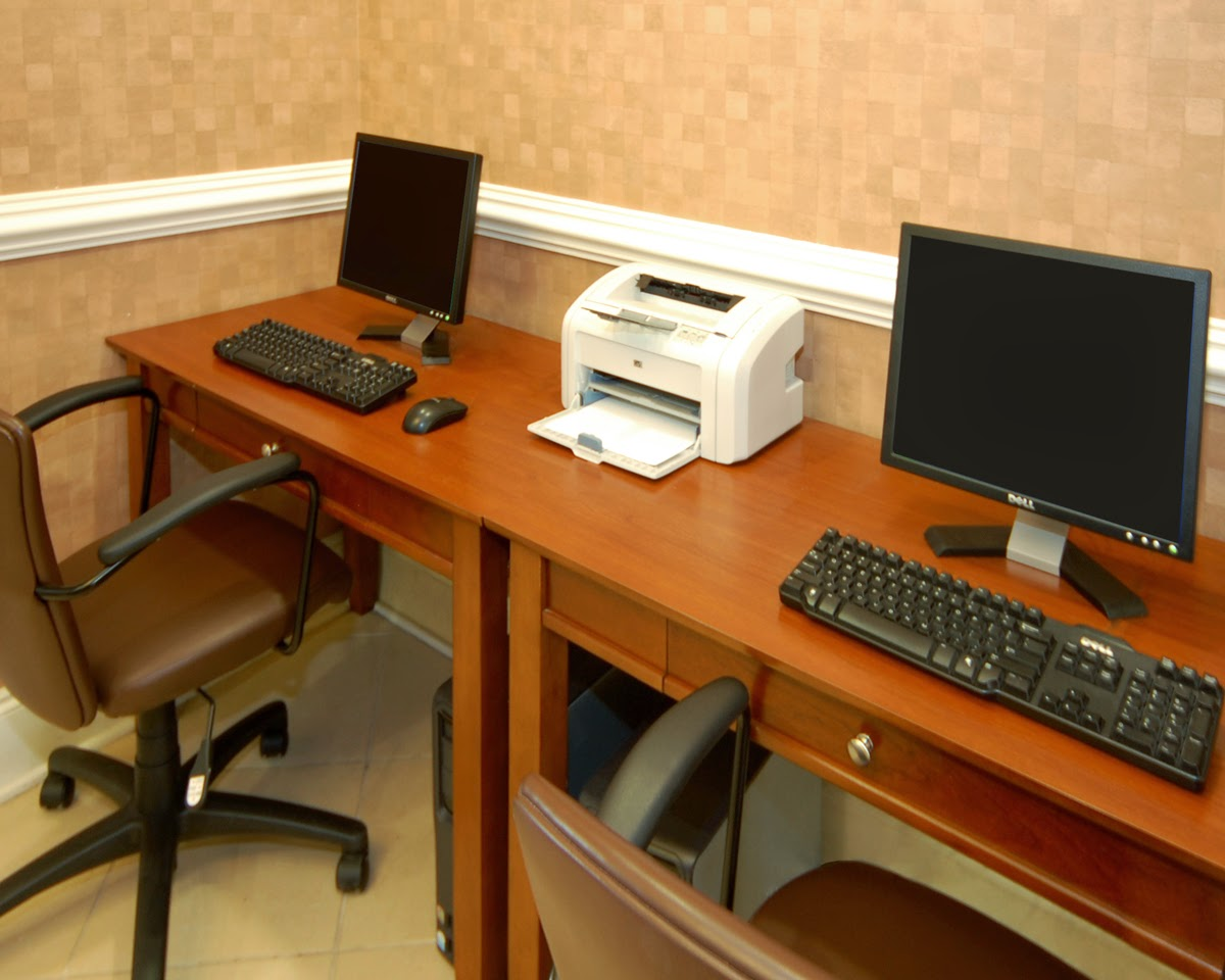 A Computer Business Center