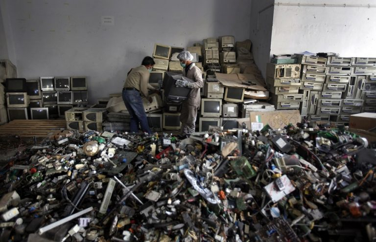 the environmental impact of electronic waste E-waste, or electronic waste, is waste from all sorts of electronics ranging from computers and mobile phones, to household electronics such as food processors, pressure, cookers etc the effects of improper disposal of this e-waste on the environment are little known these impacts nonetheless pose very real threats and.